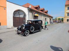 28.5.2016 - Historická vozidla na náměstí